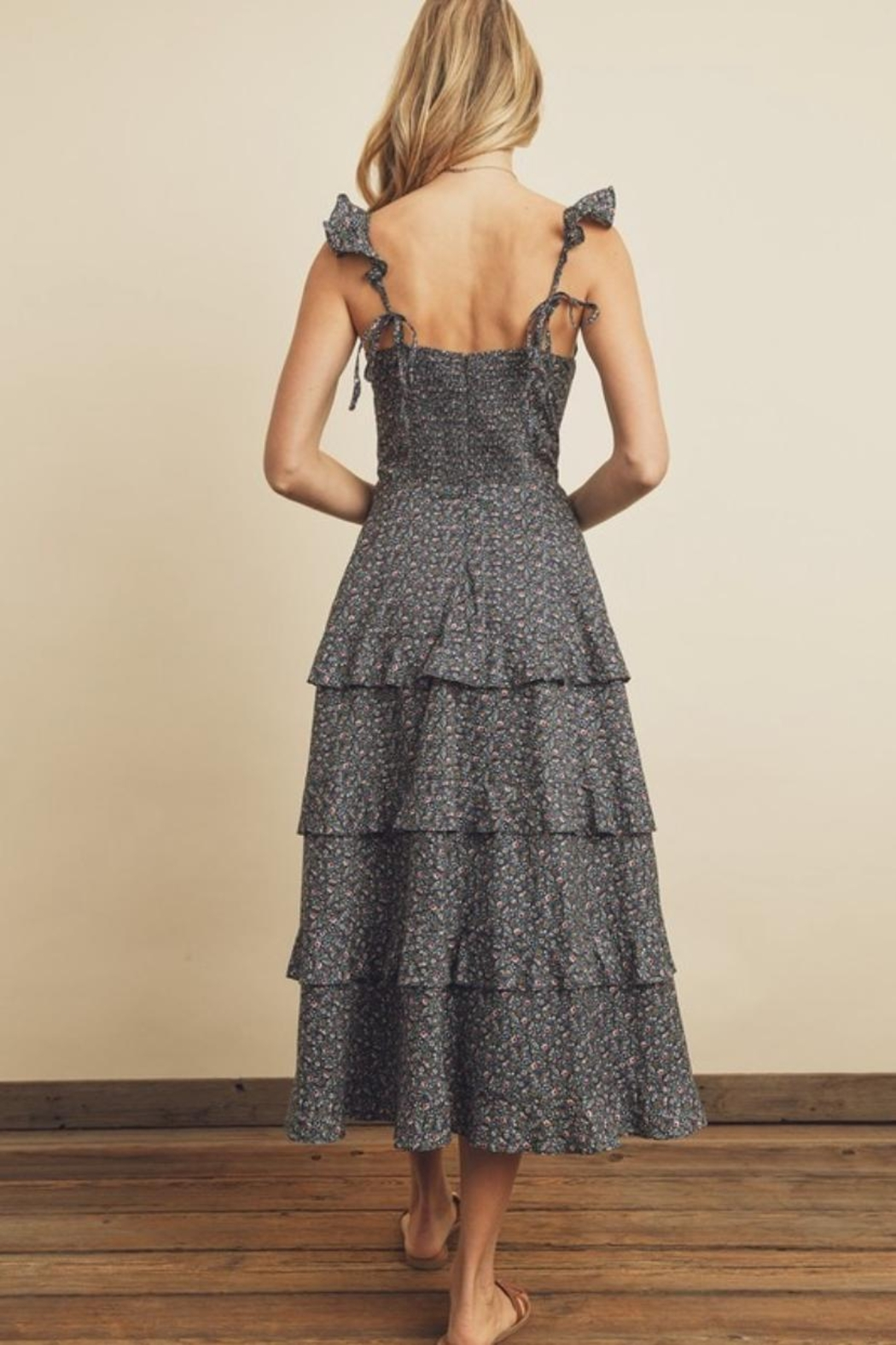 dress forum Ditsy Floral Midi - Front Full Image