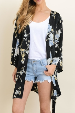 dress forum Floral Kimono Wrap - Alternate List Image
