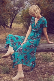 dress forum Floral Midi Dress - Side cropped