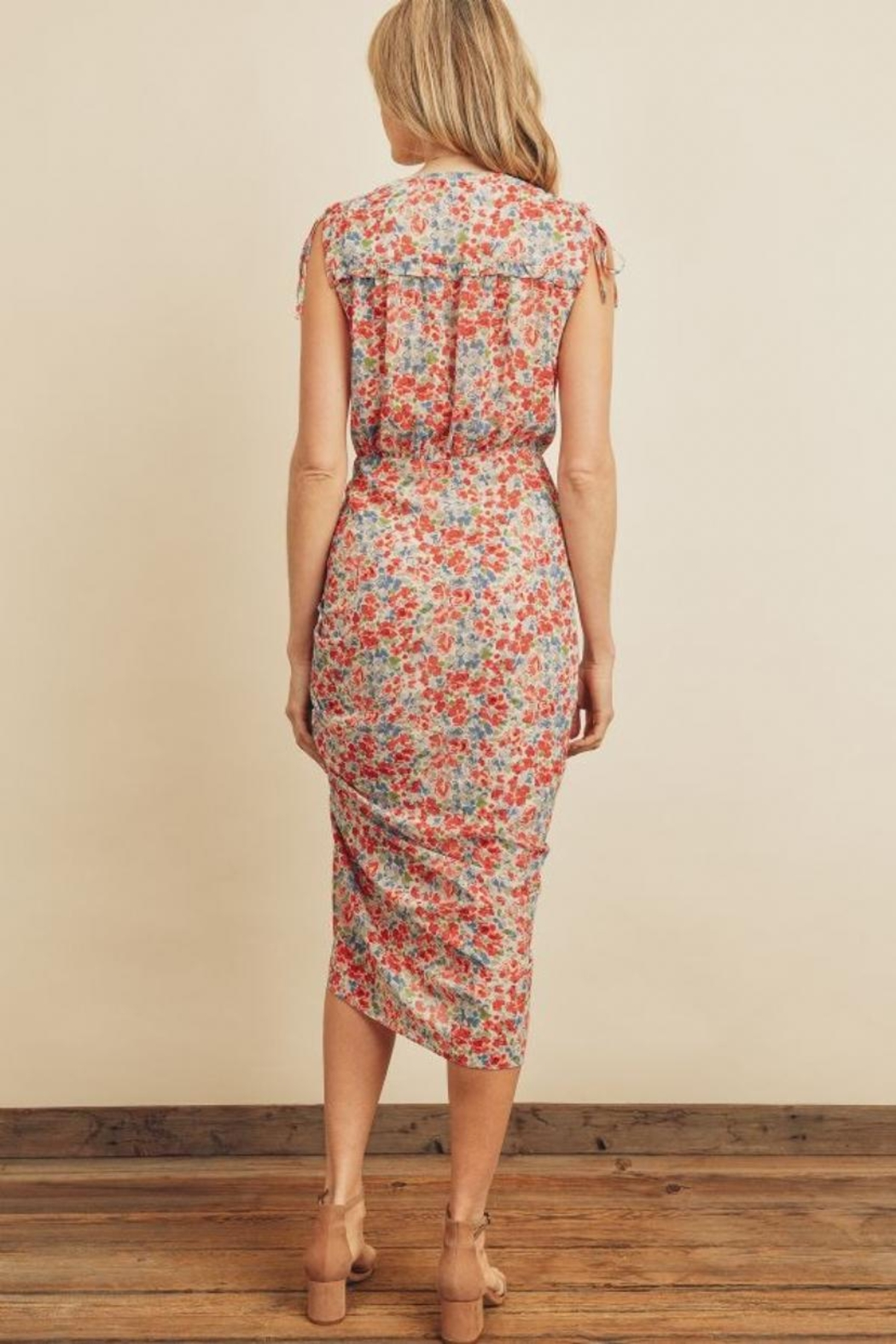 dress forum Floral Ruched Midi-Dress - Front Full Image