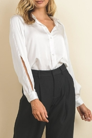 dress forum Open Sleeve Buttowndown - Front cropped