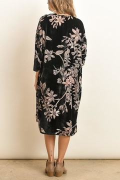 dress forum Velvet Burnout Kimono - Alternate List Image