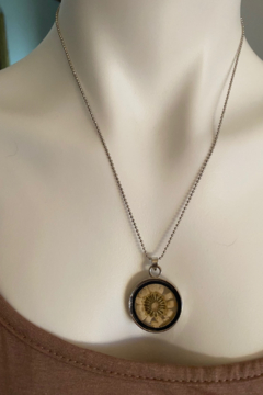Back in Love Dried Flower brass necklace 18