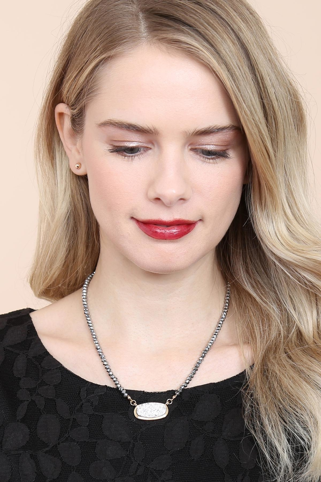 Riah Fashion Druzy-Quartz Crystal-Bead-Necklaces With-Stud-Earring - Side Cropped Image