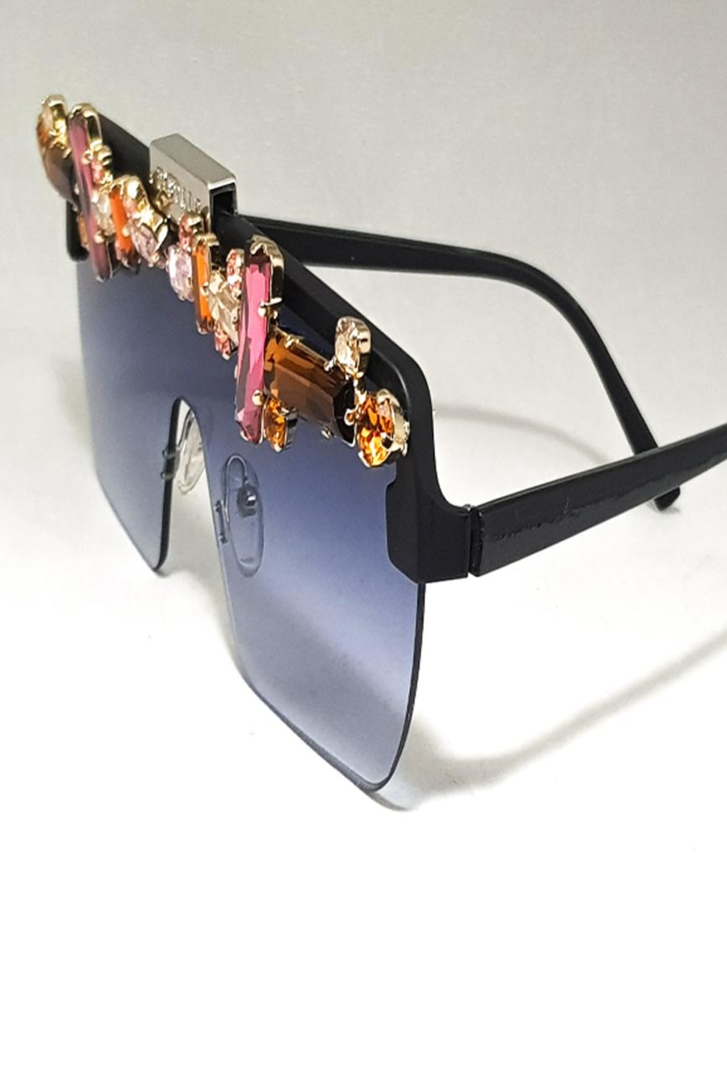 Dstyle Balvin Unique Eyewear - Side Cropped Image