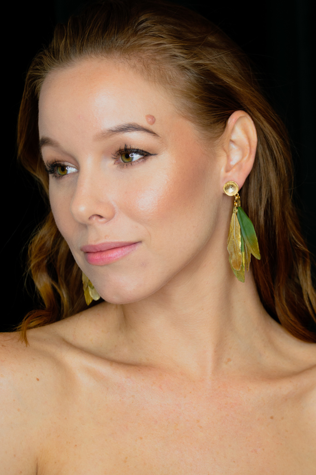 SHIVER + DUKE Duck Feather Earrings - Front Cropped Image