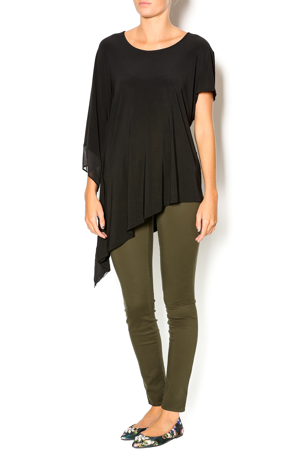 Dusak black asymmetrical top from kansas by armar boutique for Boutique tops