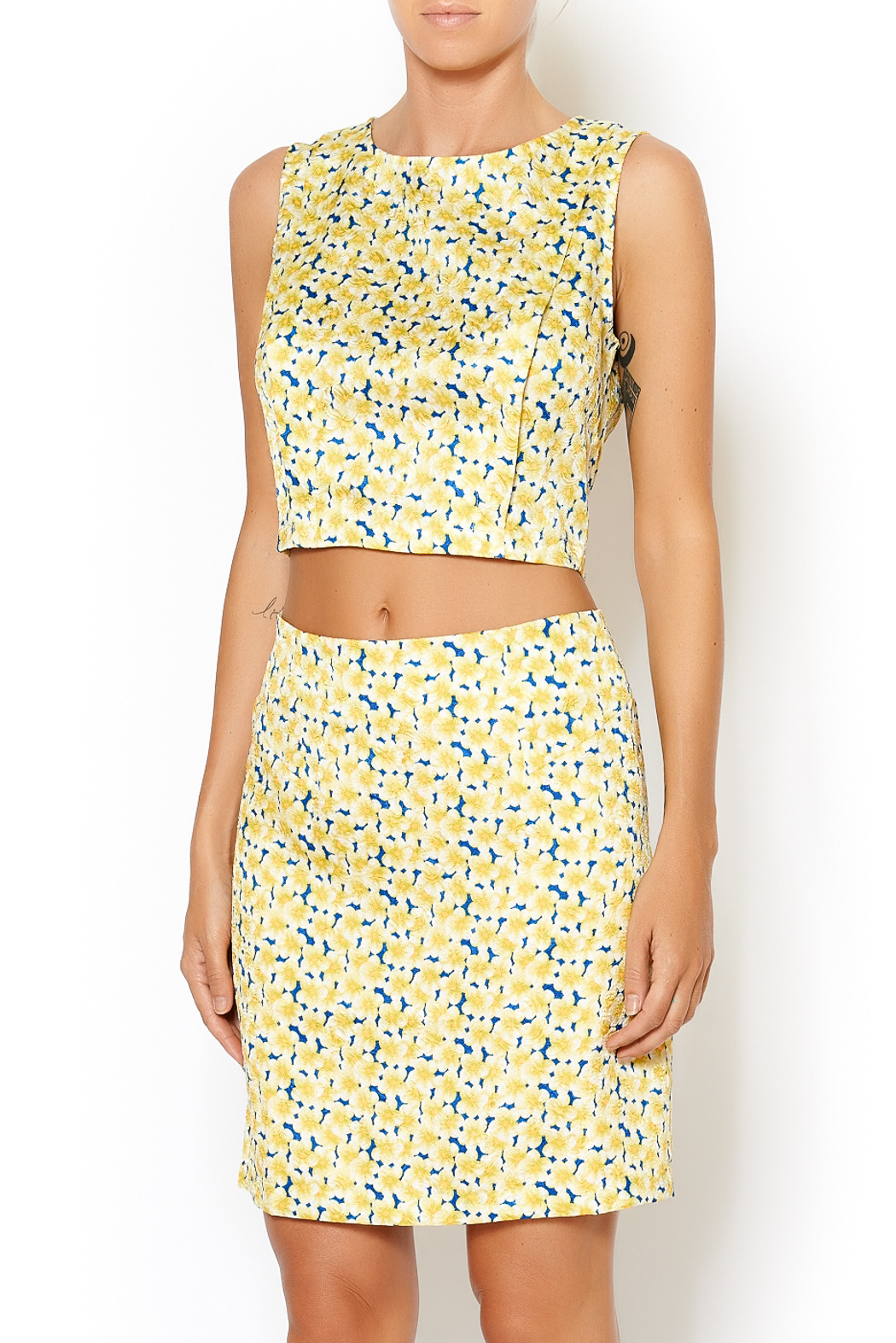 I. Madeline Yellow Daisy Crop Top - Front Cropped Image