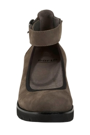 Earth Sion Shoes - Side cropped