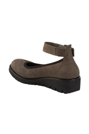 Earth Sion Shoes - Front full body