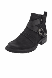 Earth Laurel Boots - Front cropped