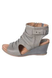 Earth Sweetpea Wedge - Front full body