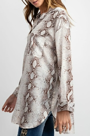 easel Snake Satin Tunic - Side cropped