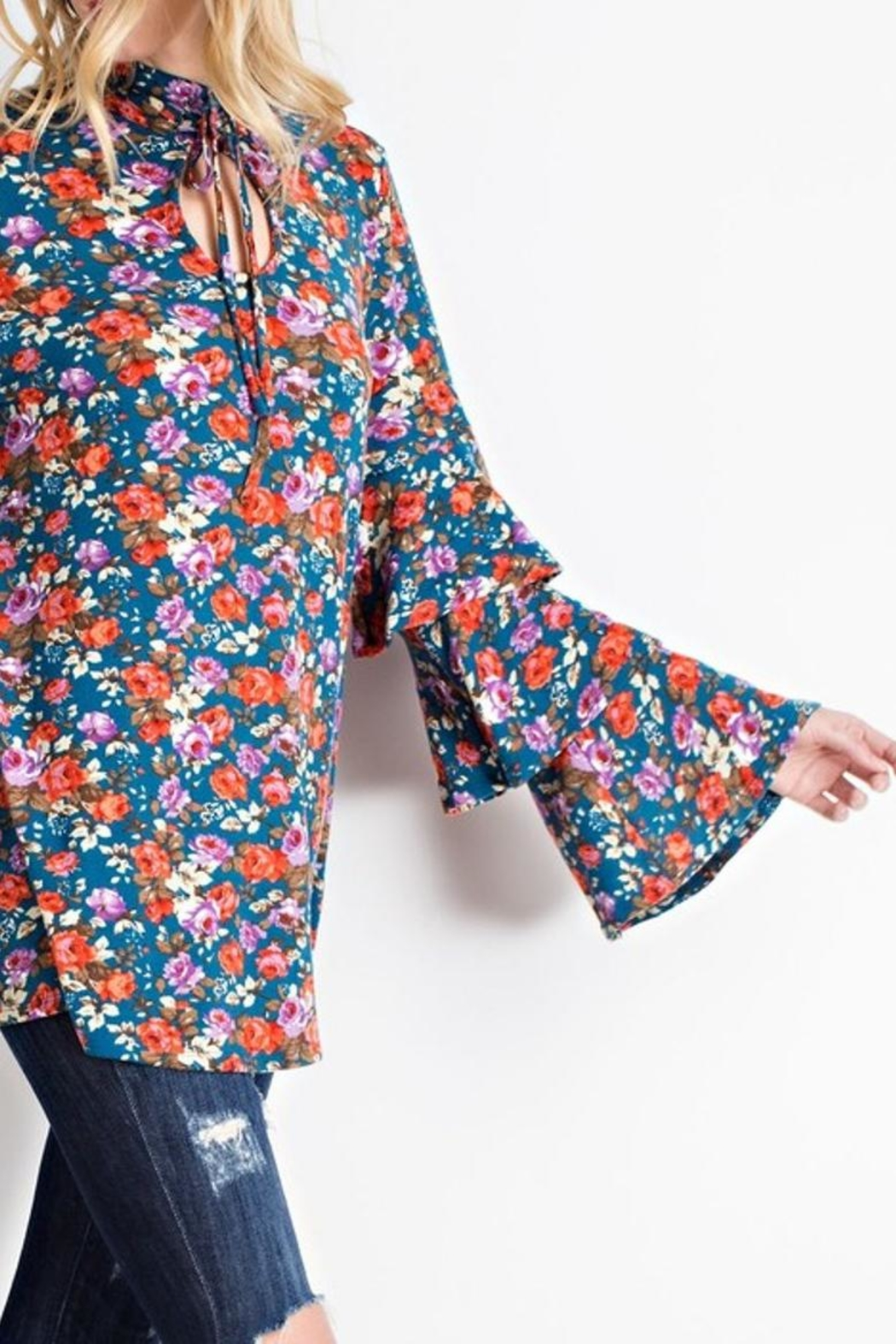 easel Bell Sleeve Tunic - Side Cropped Image