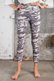 easel Camo Print Leggings - Front cropped