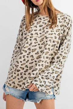 easel Carly Leopard Top - Alternate List Image