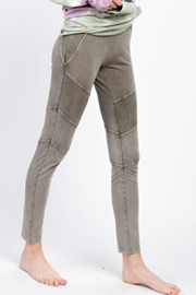 easel Casual Washed Leggings - Side cropped