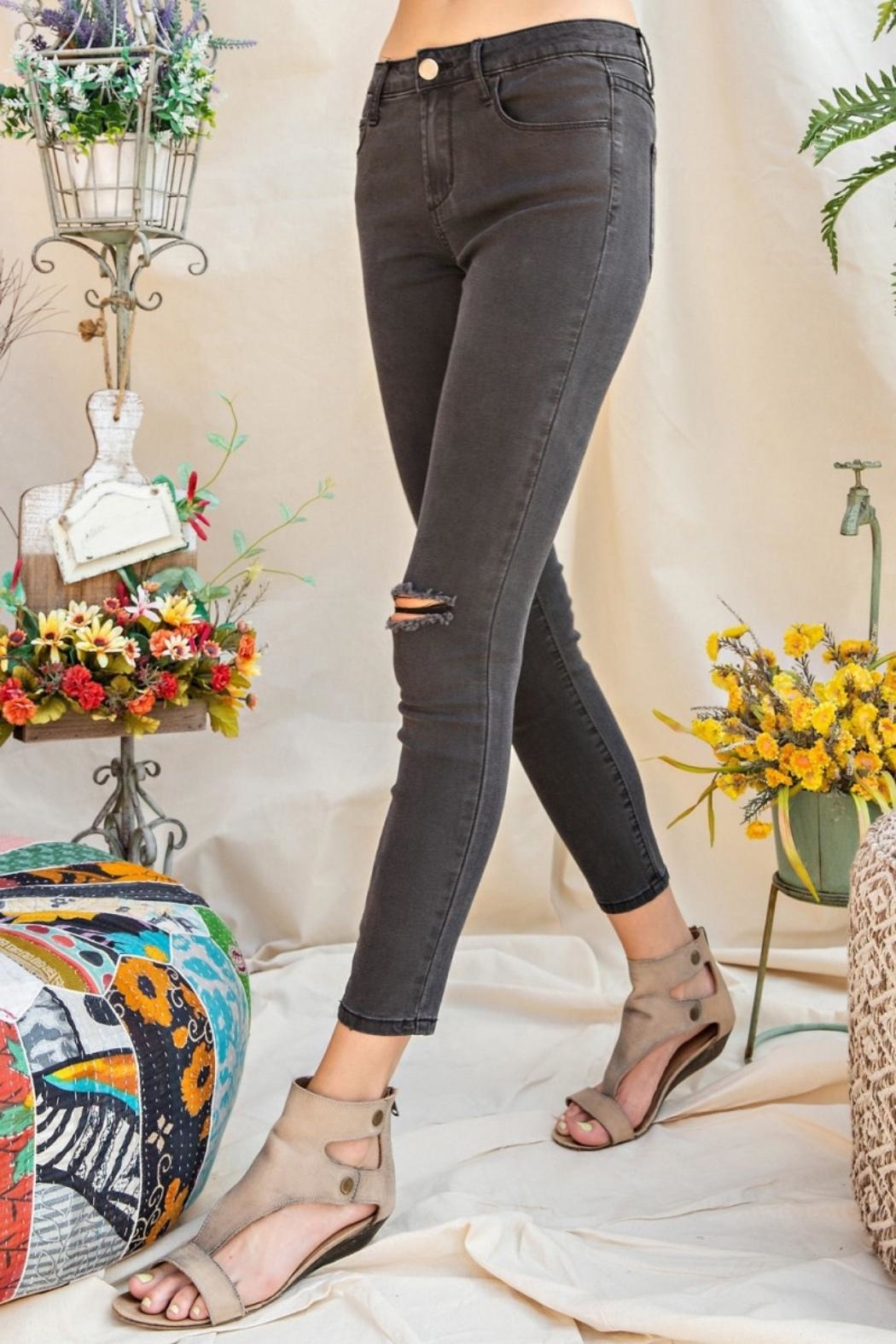 easel Distressed Skinny Jeans - Side Cropped Image