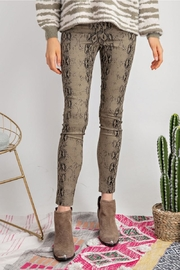 easel Distressed Snake Skin - Front full body