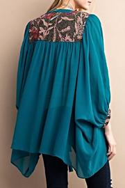 easel Embroidery Detailed Kimono - Side cropped