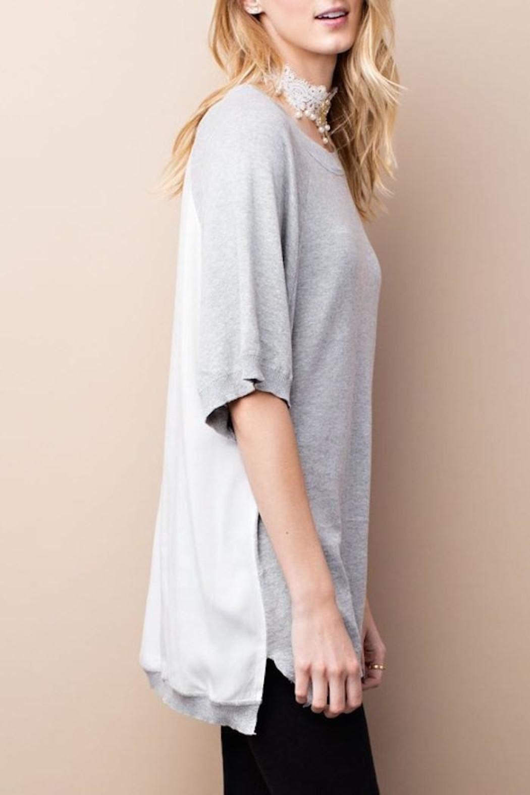 easel Half Sleeve Top - Side Cropped Image