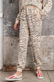 easel EASEL Zebra Cotton Pullover & Jogger Loungewear Set - Front full body