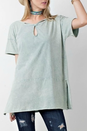 easel Keyhole Tunic - Front cropped