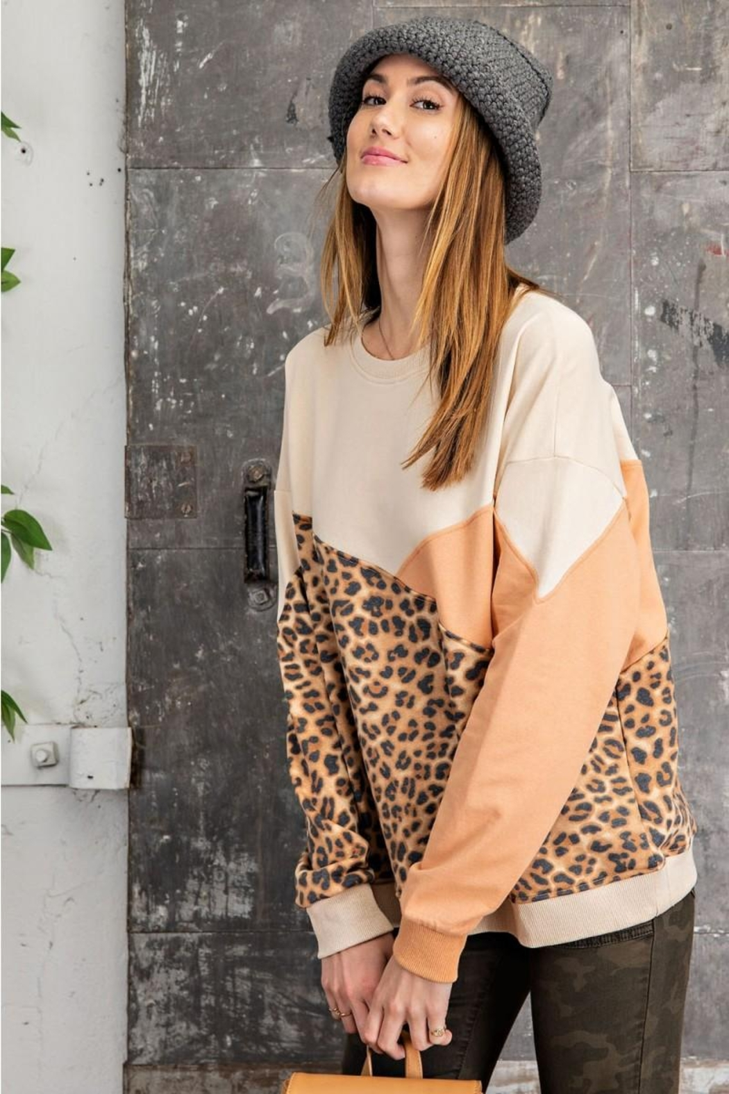 easel Leopard Mixed Color Block Long Sleeves French Terry Sweatshirt Pullover - Side Cropped Image