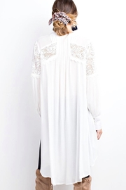 easel Lightweight Lace Tunic - Side cropped