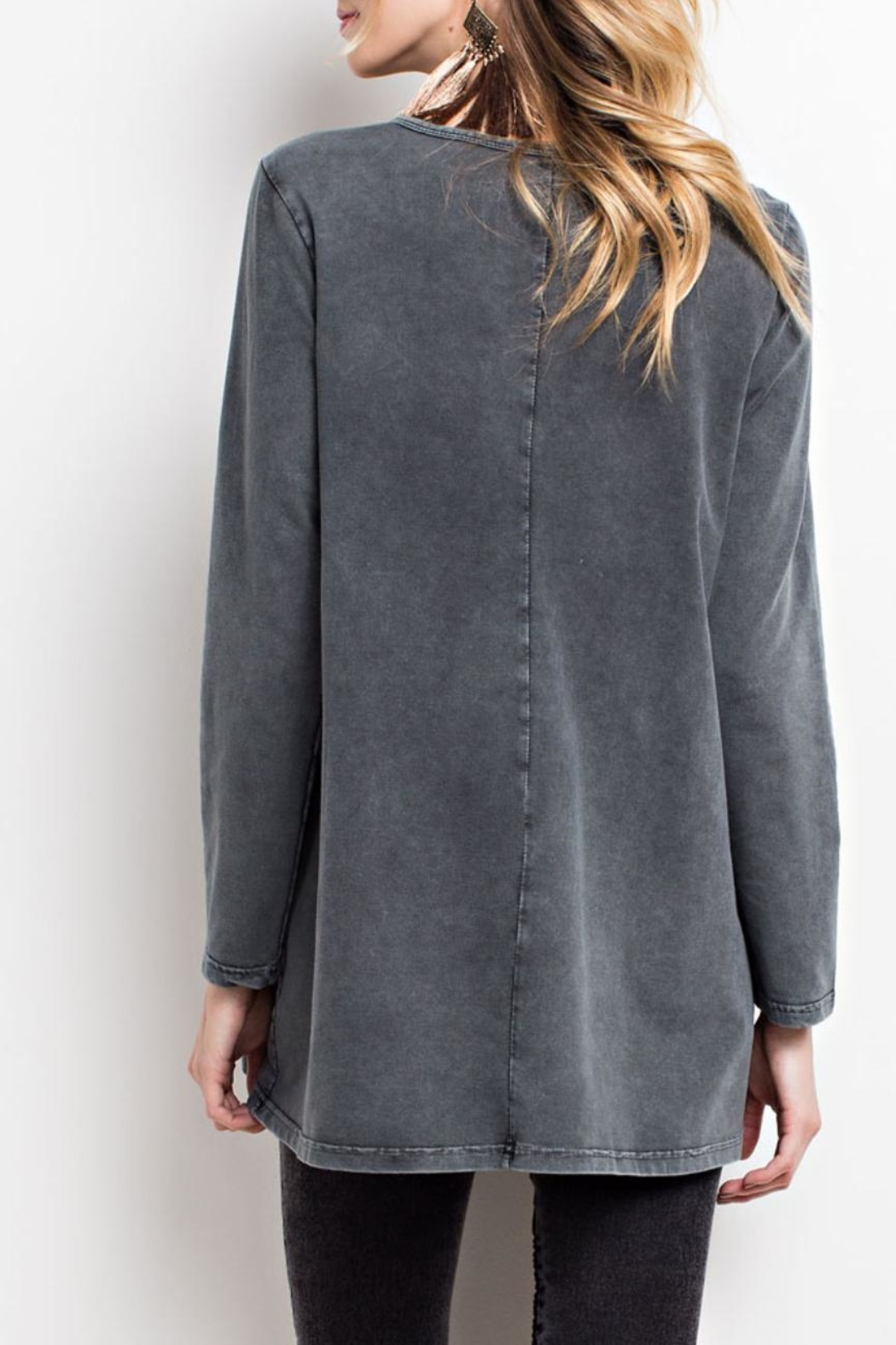 easel Mineral-Washed Keyhole Top - Front Full Image