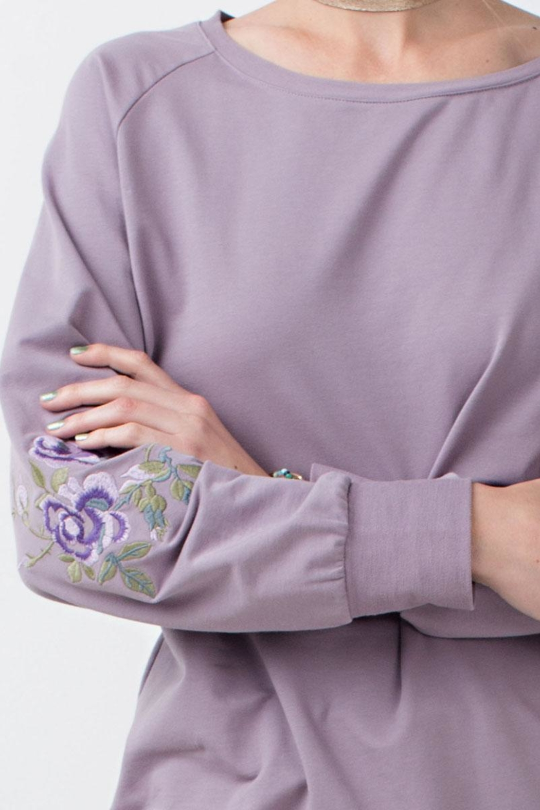 easel Pullover With Embroidery - Side Cropped Image