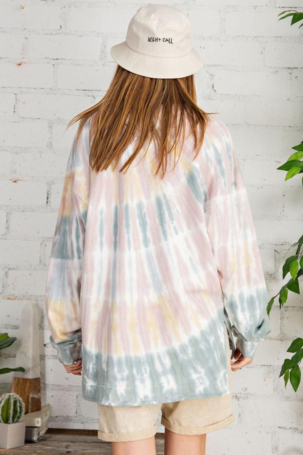 easel Retro Tie Dye French Terry Long Sleeves Pullover Sweatshirt Tunic Top - Back Cropped Image