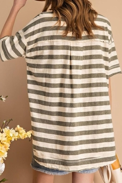 easel Striped Boxy Top - Alternate List Image