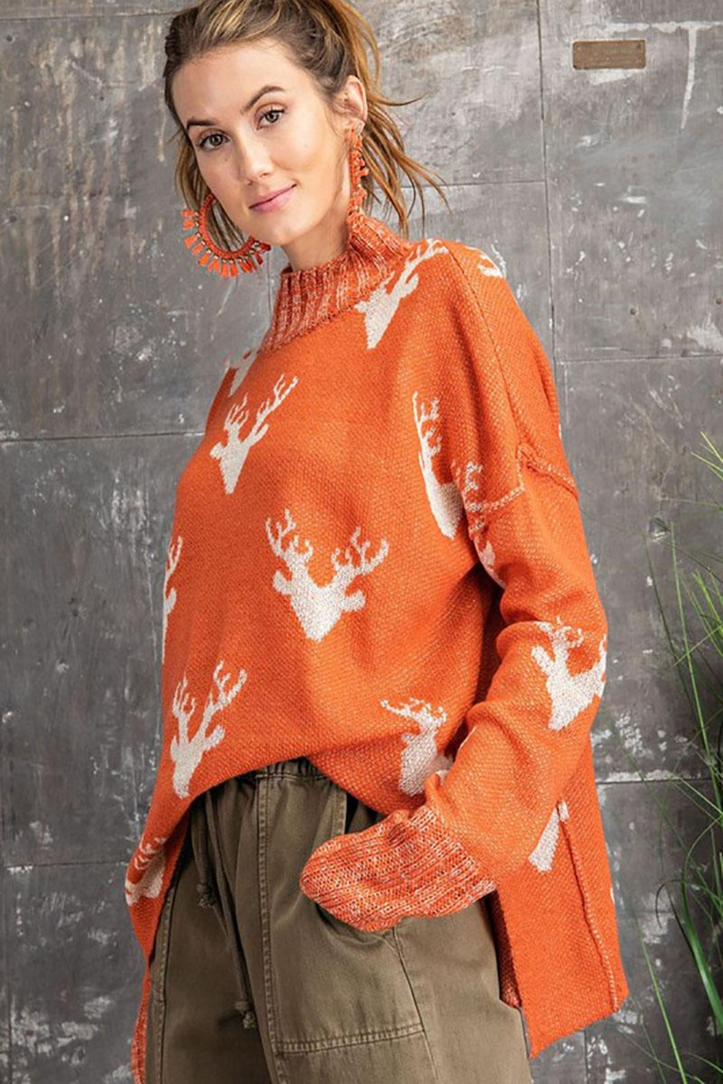 easel Super Soft Reindeer Holiday Inspired Knit Pullover Sweater - Side Cropped Image