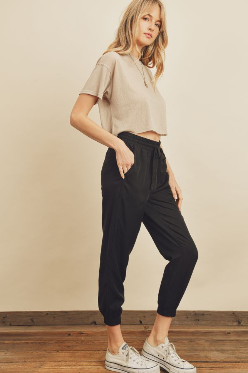 Dress Forum  Easy Drawstring Joggers - Side Cropped Image