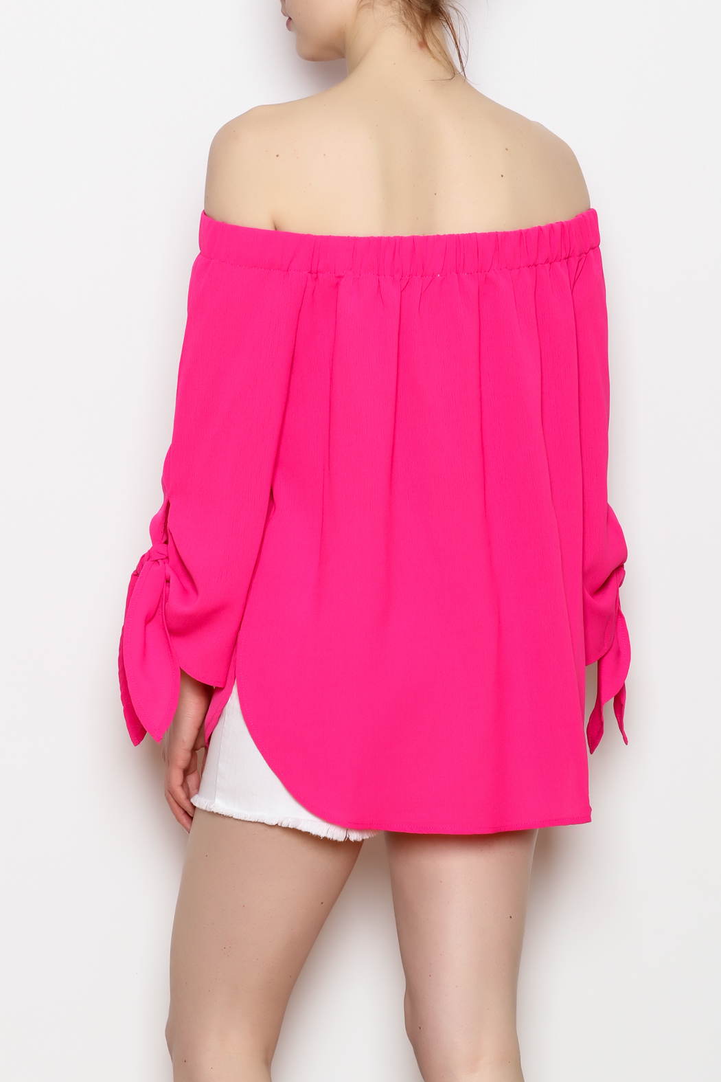ee:some Tie Sleeve Top - Back Cropped Image