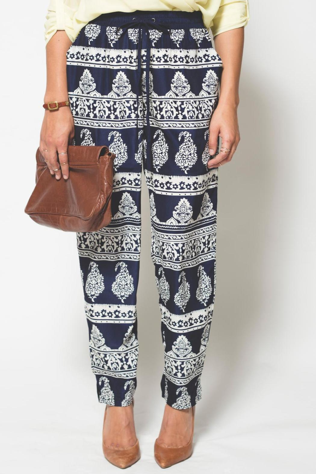 Blu Pepper Grecian Print - Front Cropped Image