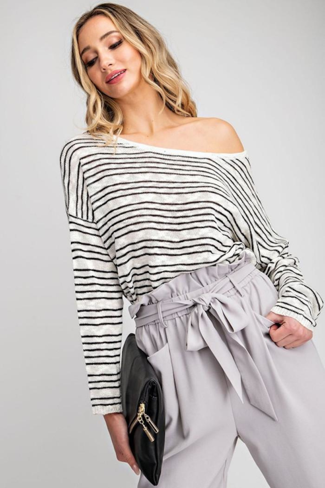 eesome Cross Back Sweater - Back Cropped Image