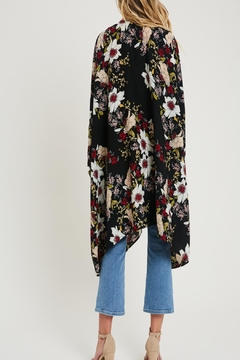 eesome Floral Draped Kimono - Alternate List Image