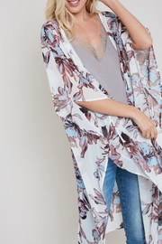 eesome Floral-Print Side-Slit Kimono - Product Mini Image