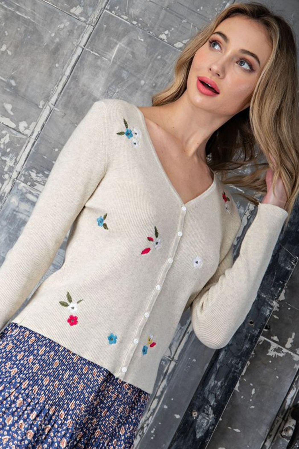 eesome Flower Embroidered Knit Cardigan Top - Side Cropped Image