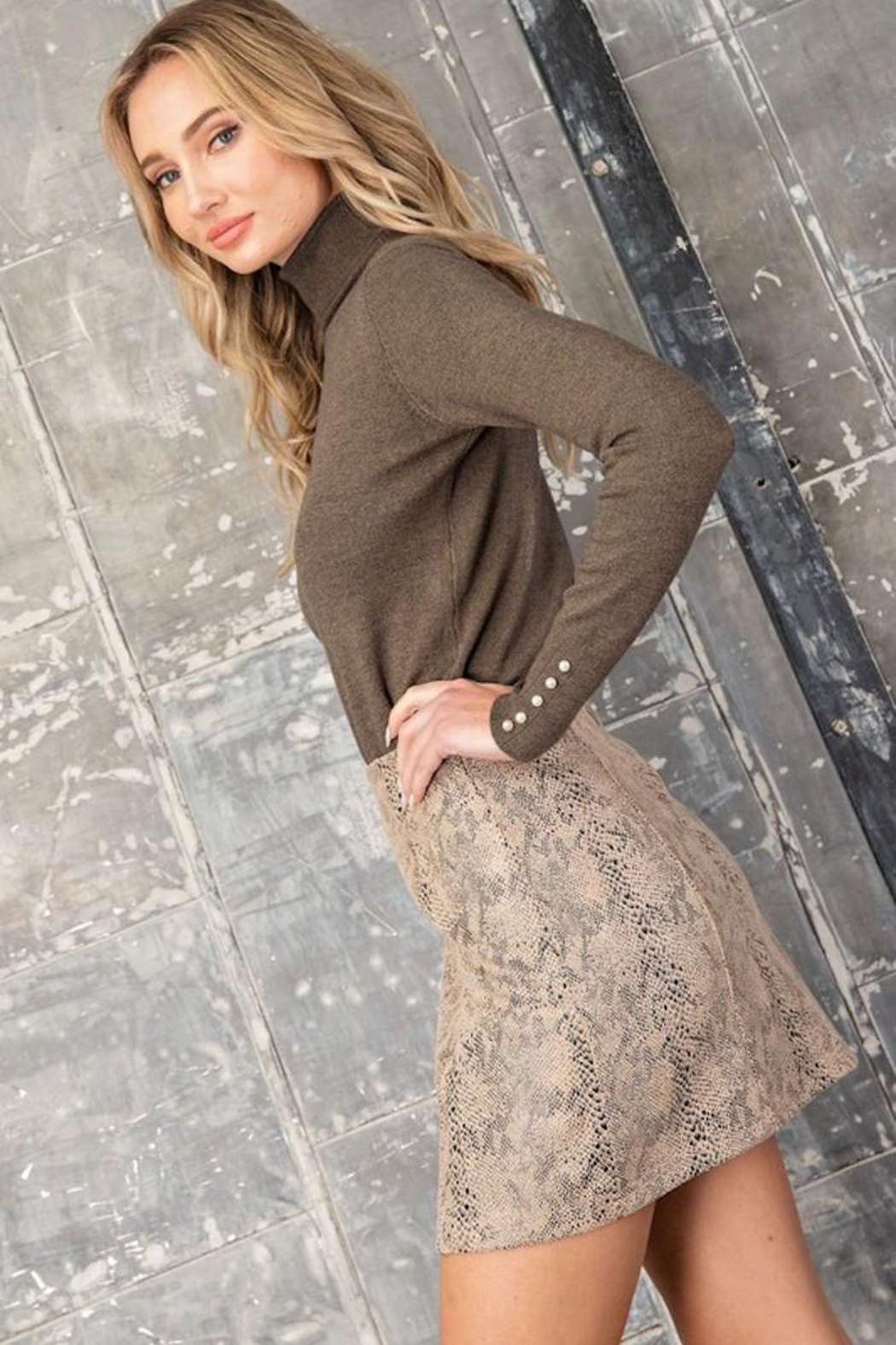 eesome Mighty Python Skirt - Side Cropped Image