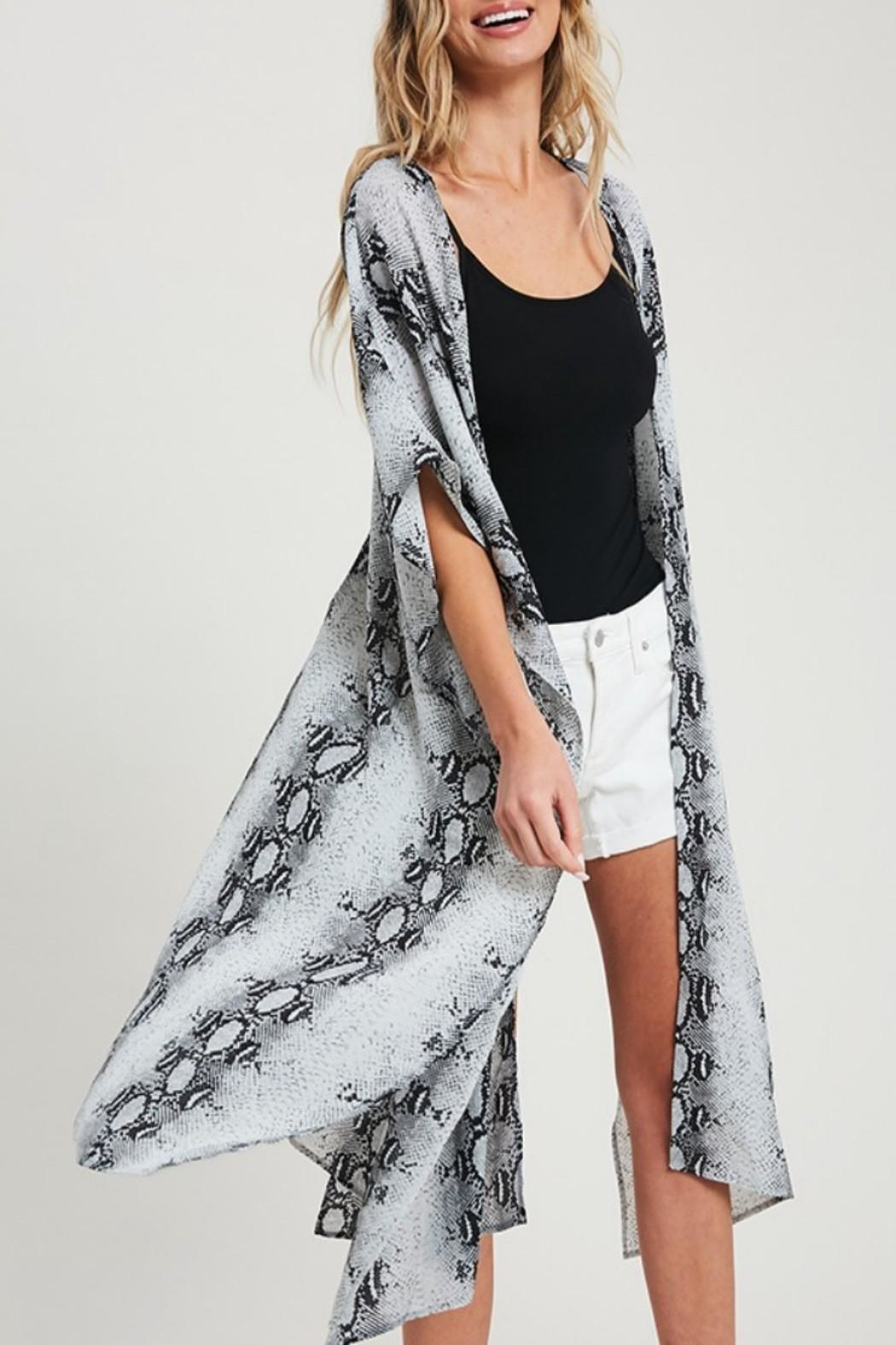 eesome Snake-Print Side-Slit Kimono - Side Cropped Image