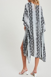 eesome Snake-Print Side-Slit Kimono - Front full body