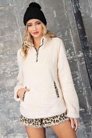 eesome The Purr-Fect Sherpa - Front full body