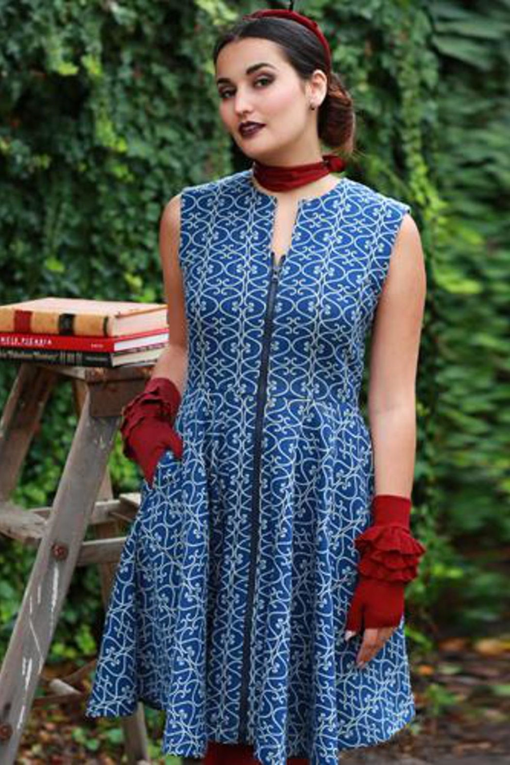 Effie's Heart Blue Scroll Dress - Front Cropped Image