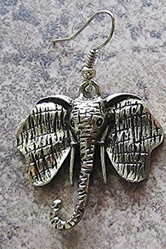 Sophia ELEPHANT METAL NECKLACE - Alternate List Image