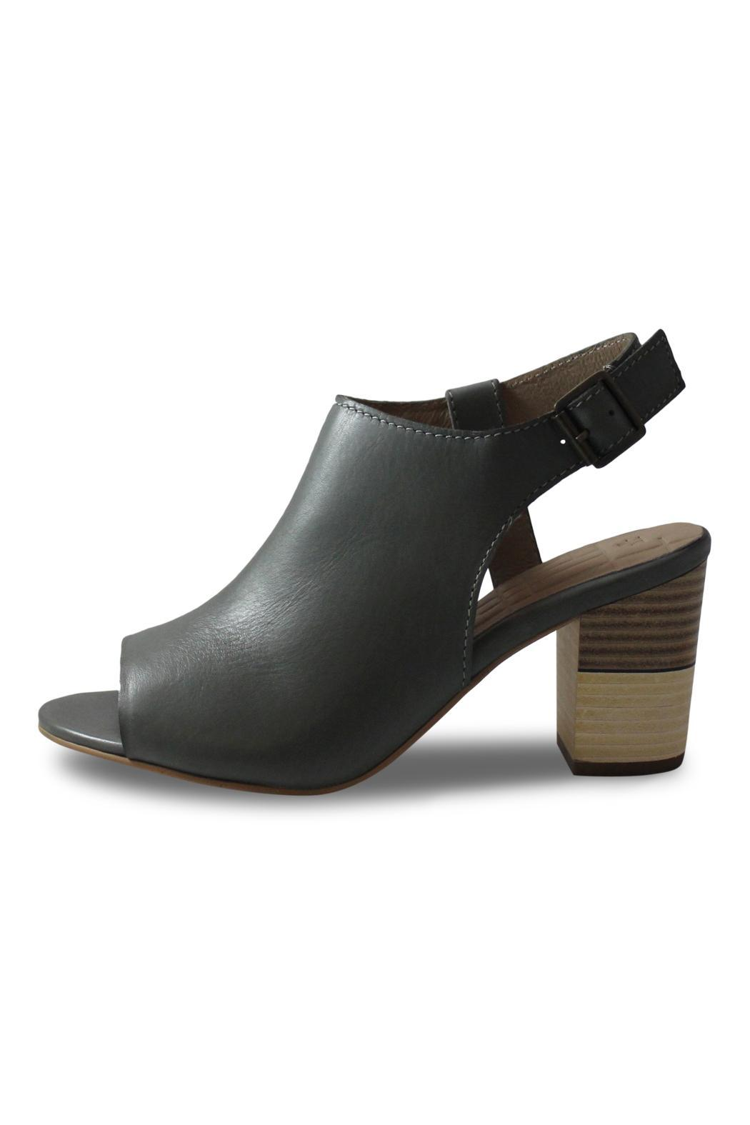 Elk Medium Grey Heel - Front Cropped Image