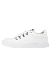 Dirty Laundry Elle Sneaker - Front cropped