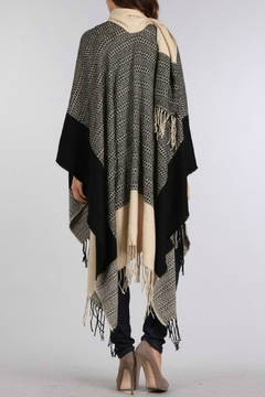 Ellie & Kate Colorblock Fringe Kimono - Alternate List Image